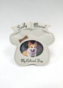 dog grave ornament at beechmount garden centre