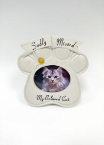 cat grave ornament at beechmount garden centre